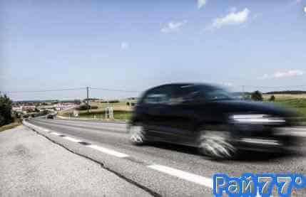 Жена прикусила детородный орган мужа во время езды на автомобиле в Австрии