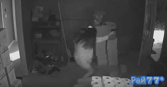 Жительница Атланты, вооружённая пистолетом выпроводила грабителей из своего дома