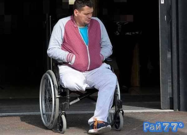Инвалид - колясочник проник в квартиру своего домовладельца