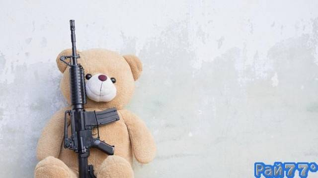 Ребёнок по вине работников почтовой службы UPS получил на рождество настоящую винтовку, вместо игрушечного вертолёта.