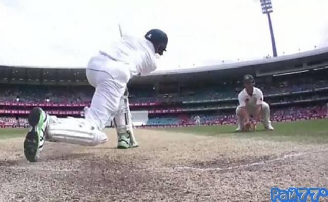 Австралийский спортсмен получил сокрушительный удар в самое незащищённое место во время турнира по крикету в Сиднее. (Видео)