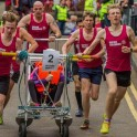 Гонки на кроватях «Knaresborough Bed Race» прошли в Британии. (Видео) 0