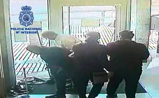 Группу грабителей - комедиантов арестовали в Испании.