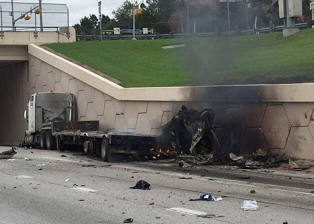Погоня за угонщиком 18-колёсного грузовика растянулась на 27 километров в США. (Видео)