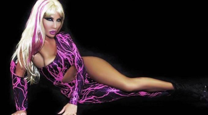 Американский транссексуал потратил миллион долларов на операции, чтобы быть похожим на куклу Барби.