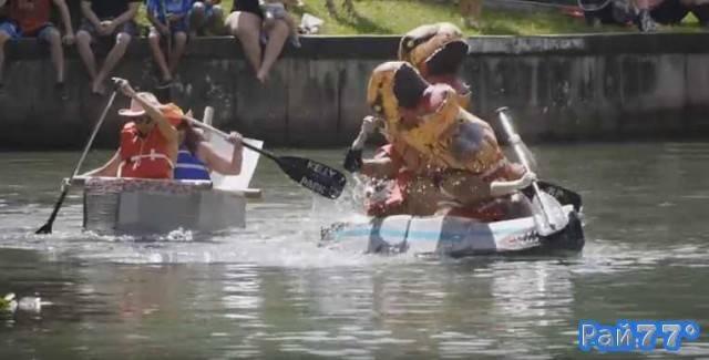 Заплыв на картонных лодках организовали в США