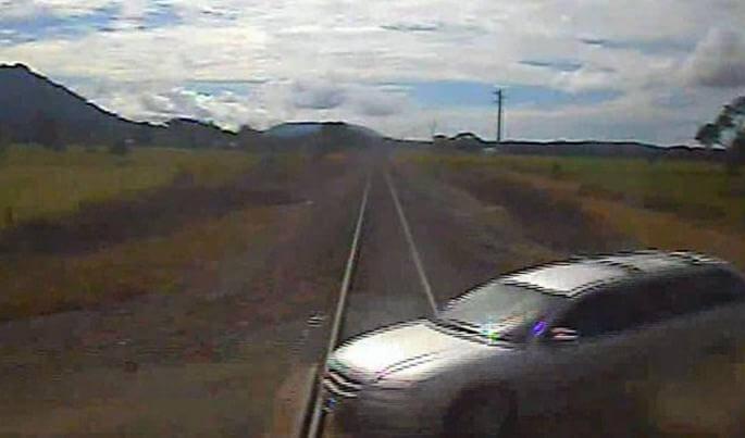 Мать четверых детей, направившая автомобиль под под колёса поезда избежала уголовной ответственности в Австралии.